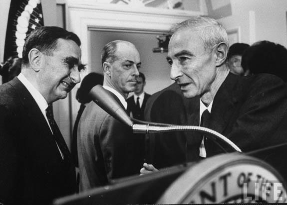 Edward Teller chatting with Oppenheimer