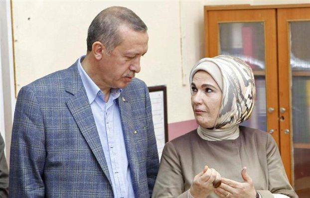 Recep Tayyip Erdoğan with his wife Emin Erdoğan